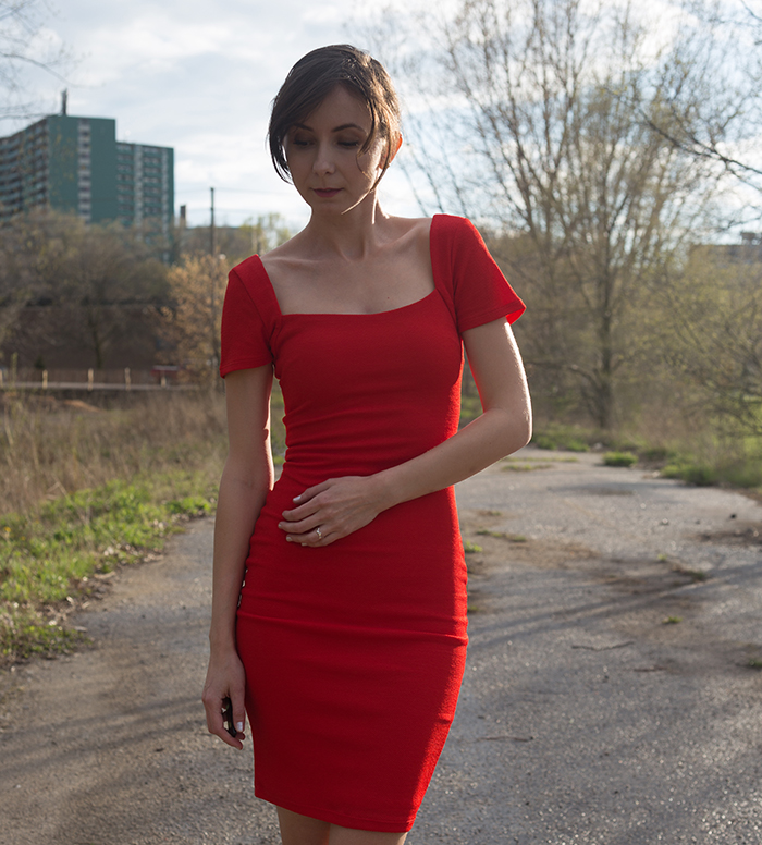 Lulus-fitted-red-dress-4web