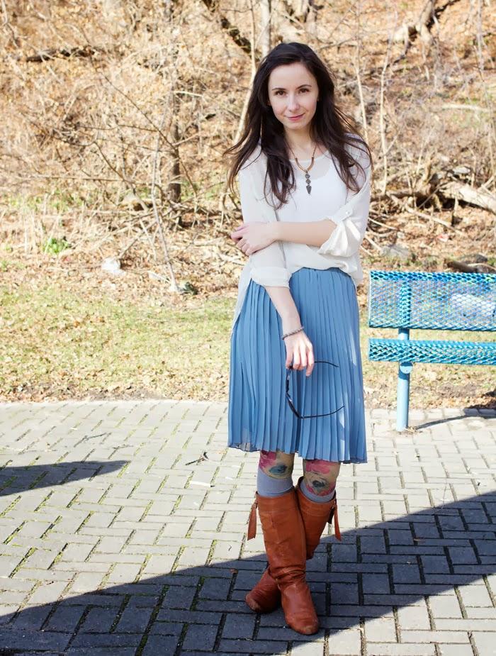 polka-dot-shirt-pleated-skirt