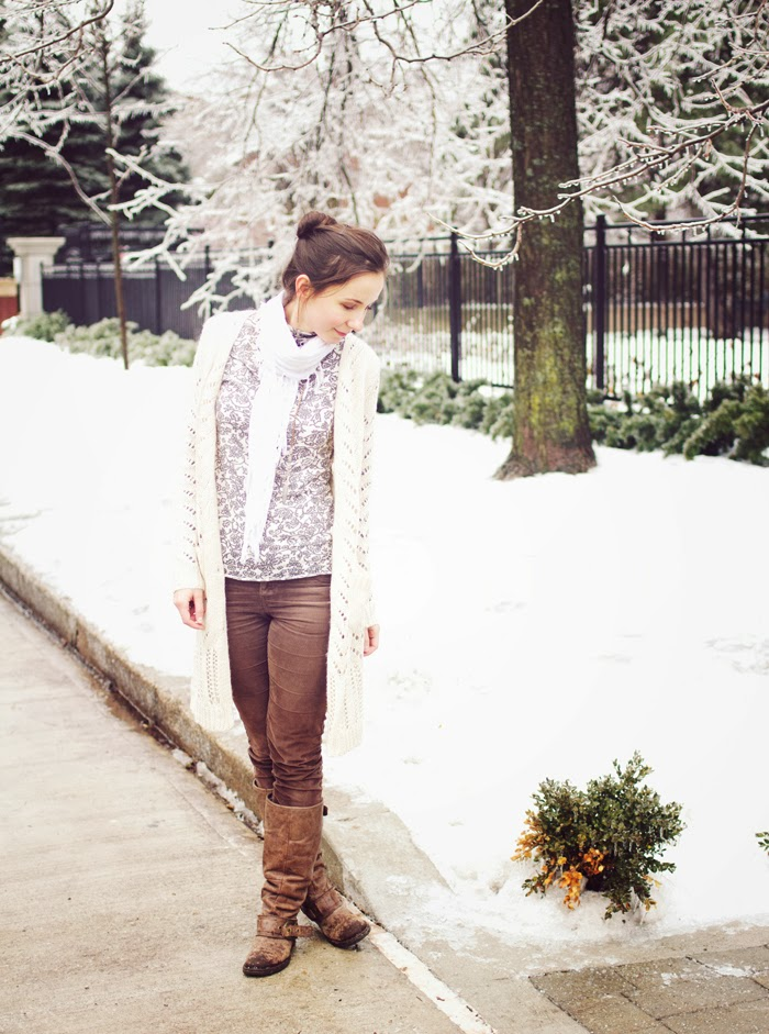 winter-casual-chic-cardigan