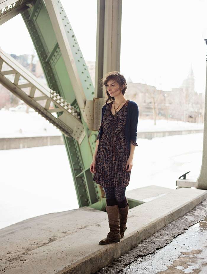 Womens-Fashion-blogger-pleated-dress
