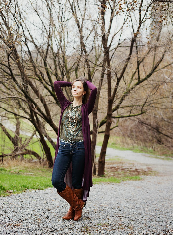 Embroidered-lace-shirt-long-cardigan-tiered-necklace